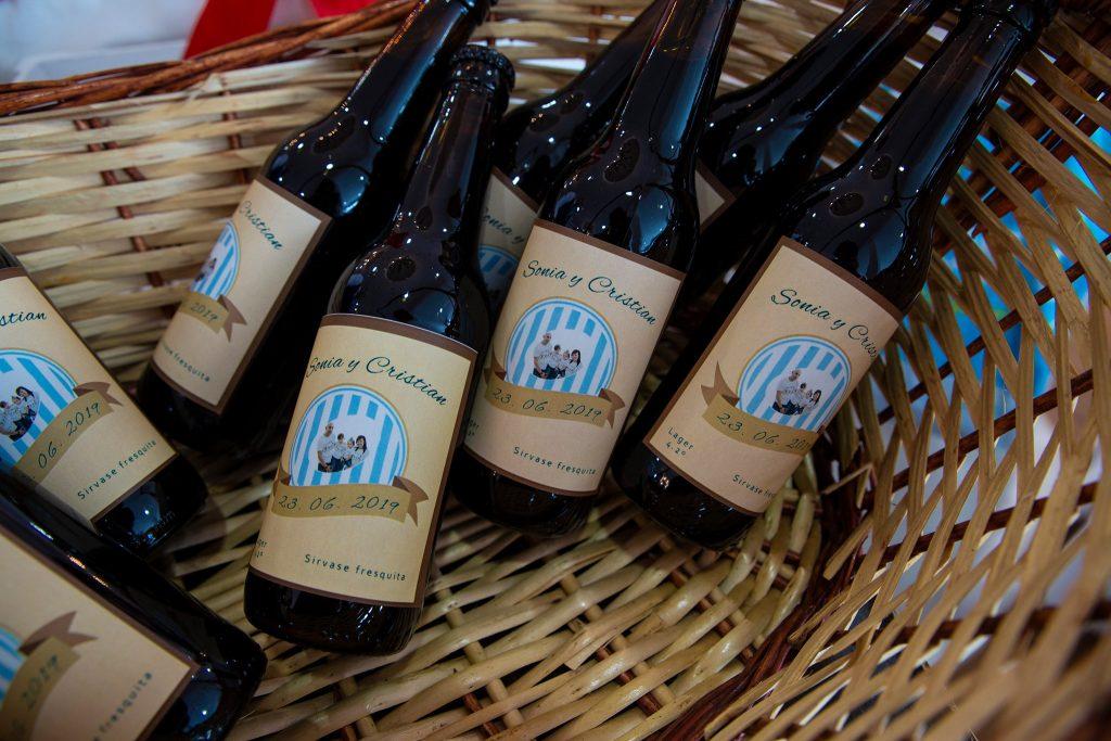 regalos invitados personalizados botellines cerveza
